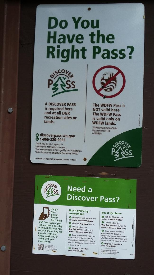 Posted Noticed about Washington Discover Pass at Trailhead