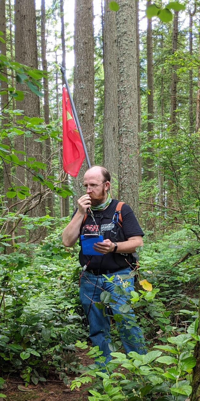 KE4HET on Wilderness Peak making SOTA contacts