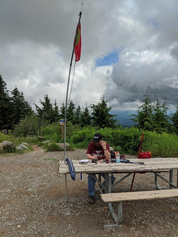 KE4HET on [East] Tiger Mountain summit making SOTA contacts
