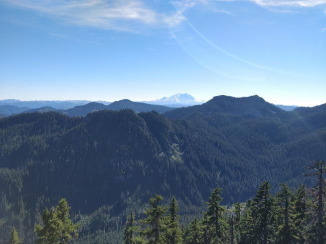 Cascade mountain peaks with Mt. Rainier