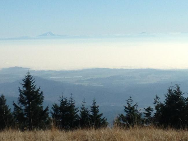 The view across to the Cascades